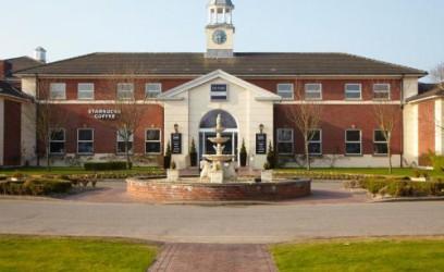 Village Hotel - Chester St Davids